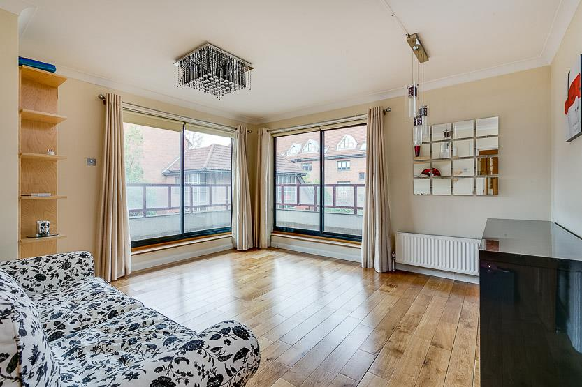 1 Bedroom House for sale in Balmoral House, Windsor Way, Brook Green, London, W14